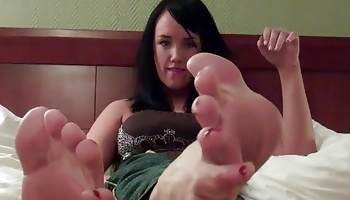 Suc on mandy taylors toes  look at my perfect size 8 feet and soft creamy soles   i bet you d love to run your tongue and cock all over them. Look at my perfect size 8 feet and soft, creamy soles.  I bet you'd love to run your tongue and cock all over them